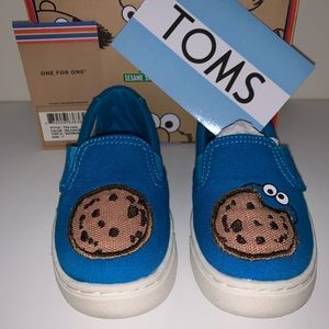 NIB TOMS Sesame Street Cookie Monster Shoes size 7